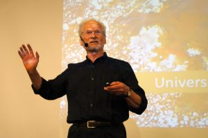 Presentación de Tony Booth.